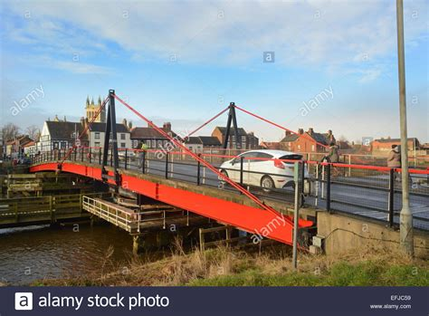 selby swing bridge selby road swing bridge closing over the river ouse with