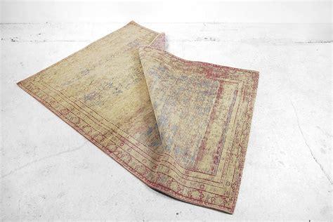 goldener teppich 220 berf 228 rbter goldener vintage teppich bei pamono kaufen