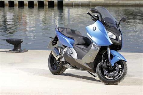 Unterschied Roller Motorrad Helm by Bmw Bringt Zwei Neue Roller Modelle Auf Den Markt Auto