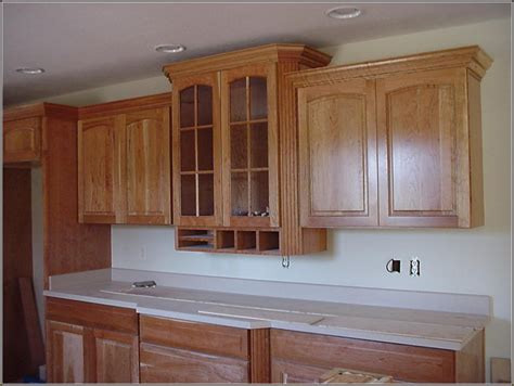 how to install molding on kitchen cabinets installing kitchen cabinets crown molding roselawnlutheran
