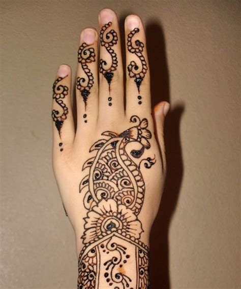 henna design for back of hand simple mehndi designs for back hands 2013 wallpapers pictures
