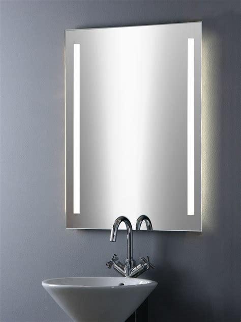 spiegel für gäste wc bild spiegel mit led beleuchtung badezimmerspiegel