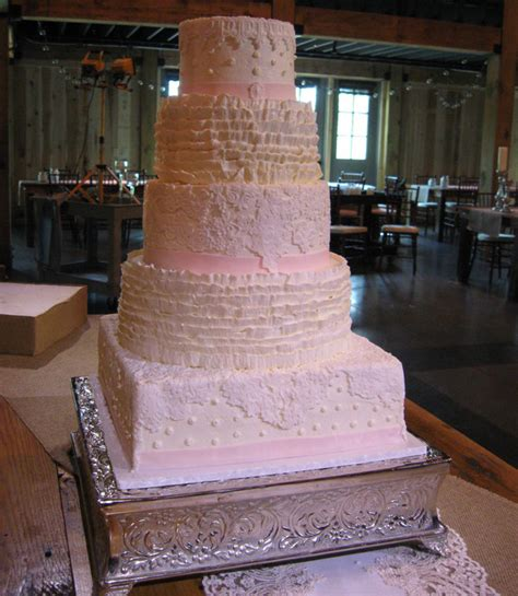Wedding Cake Icing Options by Must Wedding Cake Icing Options The Pink