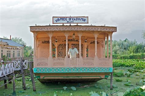 kashmir house boats the forgotten houseboat hotels of kashmir