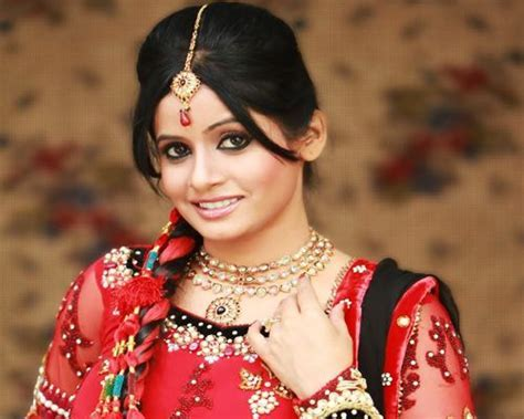 Top 10 Miss Pooja New Album Punjabi Songs 2014 List   Top