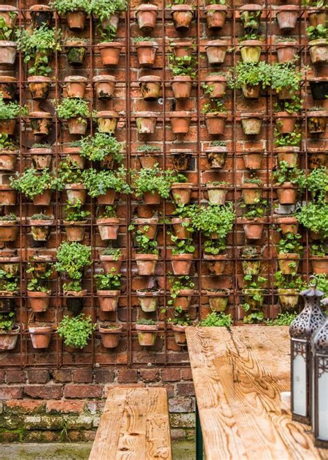 Garden Walls Ideas Make Your Garden Beautiful By Applying Garden Wall Ideas Carehomedecor