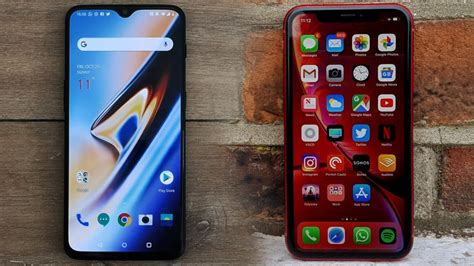 oneplus   iphone xr  oneplus  thwart apples