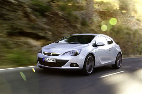 opel astra gtc 2014 2014 opel astra gtc 1 6 cdti 136hp and 320nm