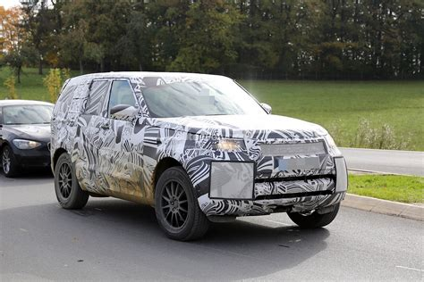 range rover concept 2017 2017 land rover discovery 5 shows up for its first spy