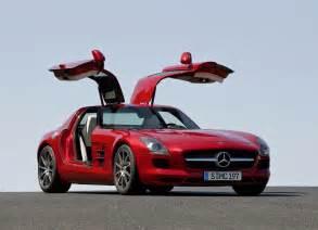 2010 Mercedes Sls Amg Mercedes Unveil 2010 Sls Amg Gullwing Slashgear