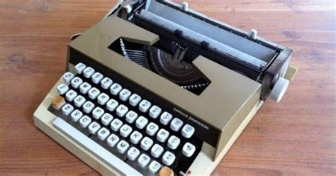 Promo Olympia 3 Mesin Ketik Tik Manual 13 Inch Termurah my typewriter pengertian mesin ketik
