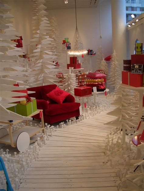 visual merchandising 2010 what s going on at