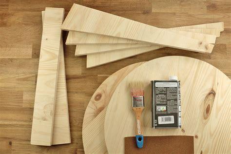 Impressionnant Fabriquer Table Basse Ronde #9: 07733143-photo-tuto-une-table-basse-en-bois-de-style-scandinave-4.jpg