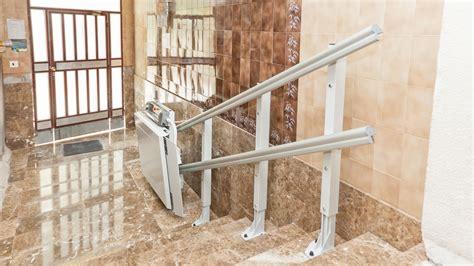 pedana disabili condominio servoscala dimensioni minime larghezza scala per