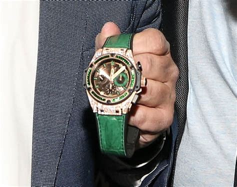 mayweather watch floyd mayweather wears hublot logo during pacquiao fight