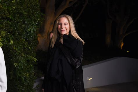 barbra streisand new album walls barbra streisand releases new single don t lie to me
