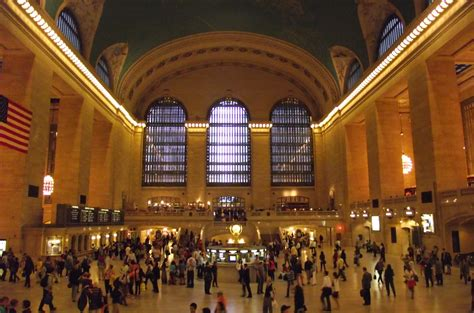 bathrooms in grand central station file grand central station inside jpg wikimedia commons