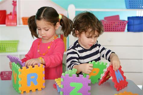 imagenes de niños jugando memoria ni 241 os jugando en el preescolar imagui