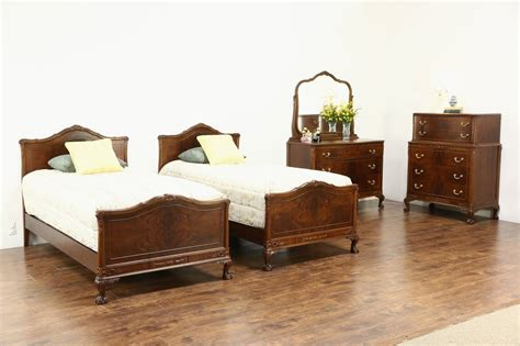 1920s bedroom furniture carved walnut burl 1920 s antique 4 pc bedroom set twin beds ebay