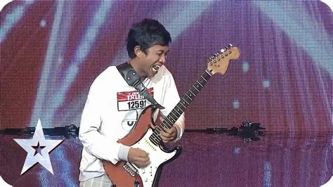 Sanjayas With Guitar by Two Guitar Skill From Eval Sanjaya 7