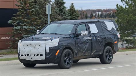 jeep wagoneer spied    time