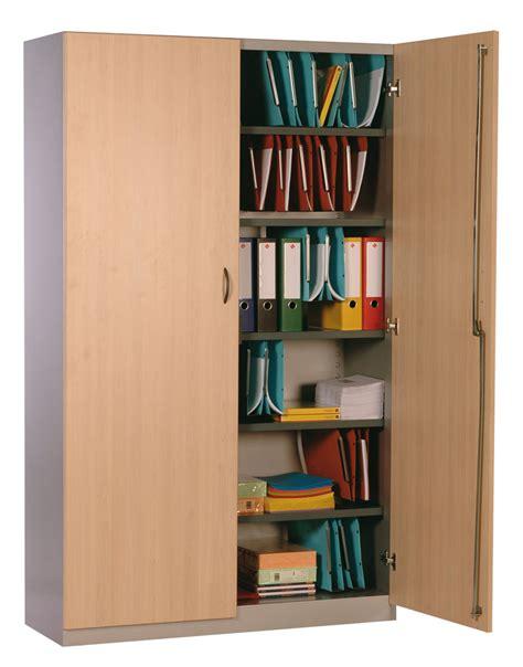 armoire m騁allique de bureau armoires de bureau bois et acier anjou t 244 lerie