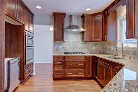 kitchen cabinets crown molding kitchen cabinet crown molding