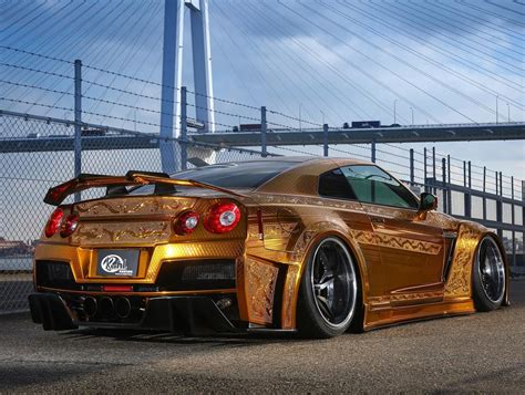 gold nissan car one million dollar gold plated car nissan gt r x auto news