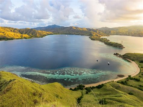 The Best Of Komodo Trek Tour 3d2n Min 2 Pax scuba diving komodo indonesia diving and dragons