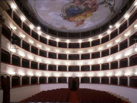 teatro degli illuminati cittã di teatro degli illuminati citt 224 di