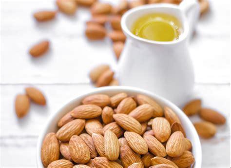 olio di mandorle dolci uso alimentare olio di mandorle dolci propriet 224 usi cosmetici e alimentari