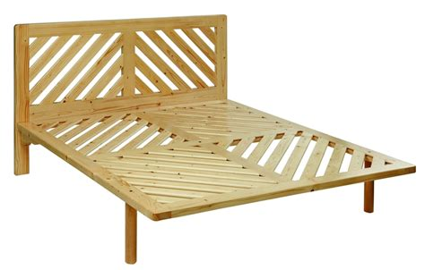 letti in legno naturale letto legno massello doghe diagonali la casa econaturale