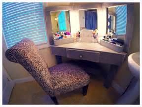 Makeup Vanity Out Of Pallets Best 25 Pallet Vanity Ideas On Diy Makeup