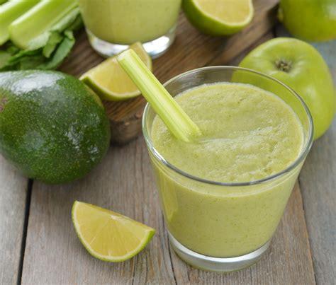 marmellata di sedano frullato di avocado sedano e lime centrifugato di frutta