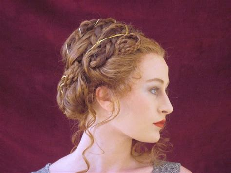 hair style of 1800 victorian inspired hairstyle