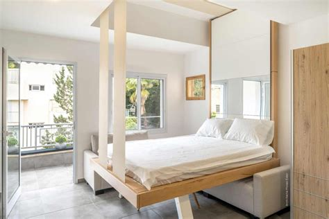 Lit Escamotable Plafond by Lit Escamotable Bedup 174 La Solution Pour Les Petits Espaces