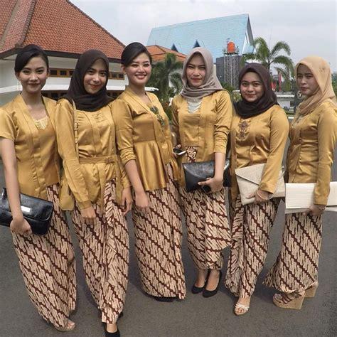 Kebaya Mano Gold 25 inspirasi model baju kebaya muslim elegan dan modern