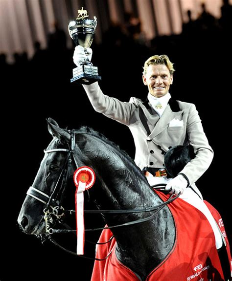 best dressage edward gal and moorlands totilas 2010 fei dressage world cup barnmice equestrian social