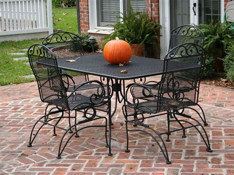 green wrought iron patio furniture 25 best ideas about iron patio furniture on