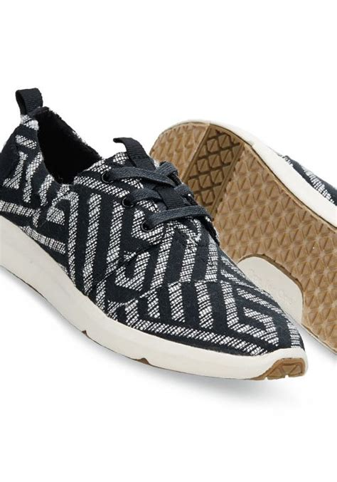 toms sport shoes 309 best top pinned items images on tom shoes