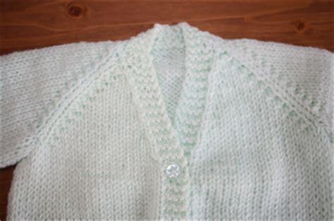 free dk baby cardigan knitting pattern free knitting patterns for newborn babies cardigans