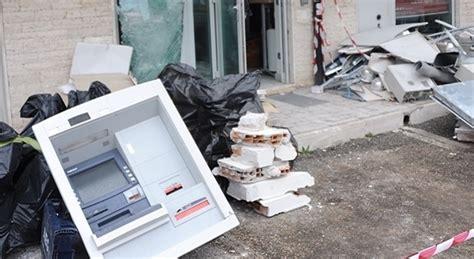 banca intesa ostia roma boato nella notte all axa assaltato e fatto
