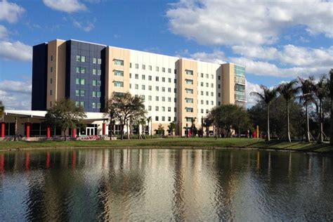 fau housing university press fau board of trustees approves plan to increase 2015 2016 housing rates