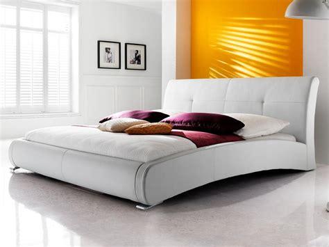 günstige betten mit matratze stilvolle g 252 nstige betten mit lattenrost und matratze bild