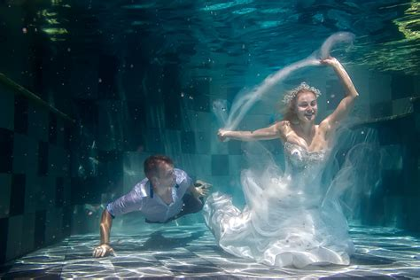 Wedding Underwater by Bali Underwater Pre Wedding Photography Bali Wedding