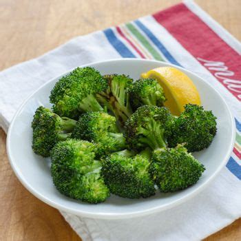 recipe garlicky roasted broccoli quick side dish simple garlic roasted broccoli with lemon is a great quick