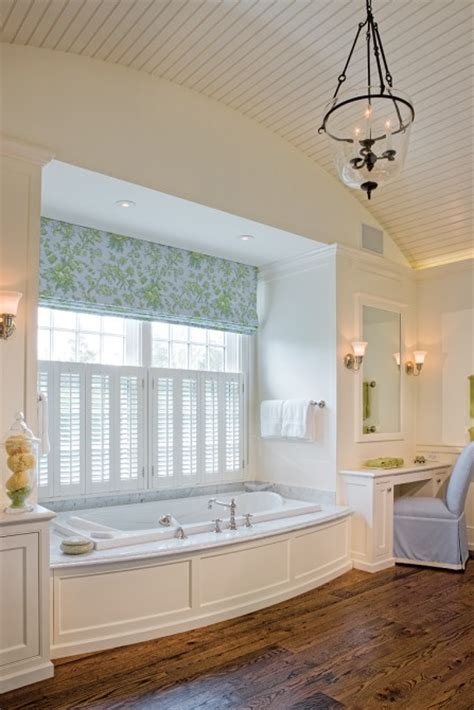 Nantucket Style Bathrooms by Botticelli Pohl Architects