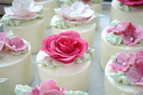 Mini Cakes by Mini Cakes On Mini Cakes Mini Wedding Cakes