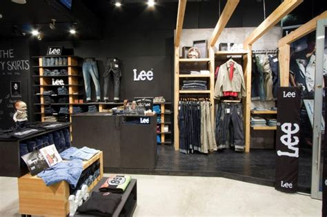 Jeep Clothing Stores South Africa Sphere Design Architecture Retail Exhibition