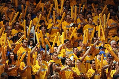 golden state warriors fans awesome images of golden state warriors fans popovich is